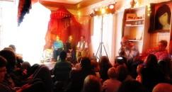 Verschiedene Erzähler ließen das Publikum an Märchen aus Tausendundeiner Nacht teilhaben.
