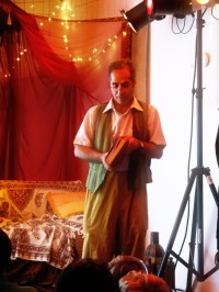 Auch Mahmud erzählte von Sagen, Geschichten und Märchen- bevor er sich wieder